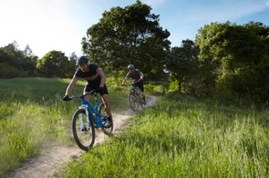 Smith riding with BikeRadar interviewer, Andrew Dodd.