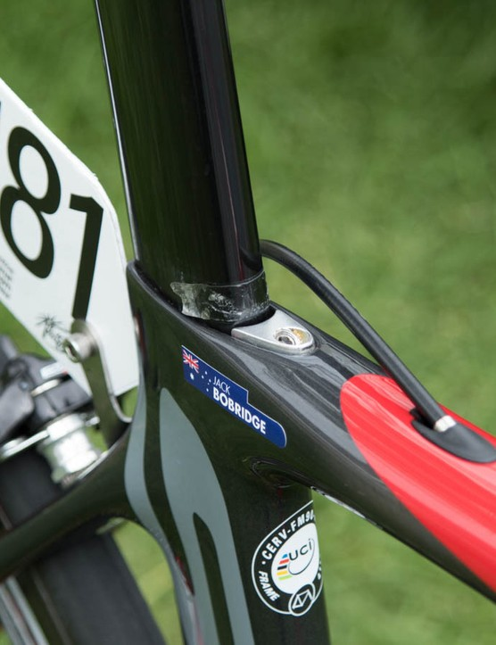 An integrated seat clamp sits near the world record holder's name
