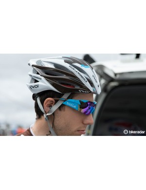 Bolle sunlgasses are becoming more common in the peloton
