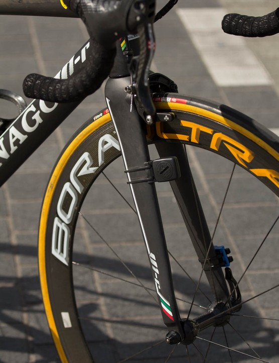 The Colnago V1-r front fork features aluminium dropouts, something Colnago claims will make it extremely durable and safe with the wheel-off roof racks used between racing