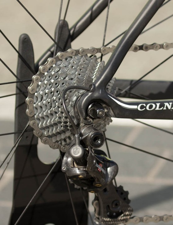 Bronzini uses a relatively wide-range 11-27T cassette