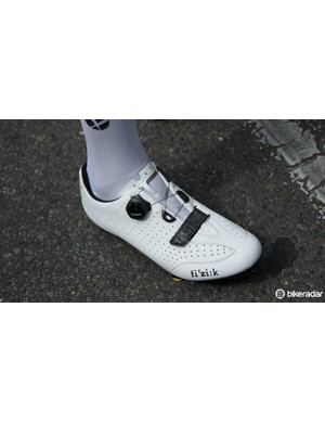 Geraint Thomas wearing the all-new fi'zi:k R3-B (B is for Boa)