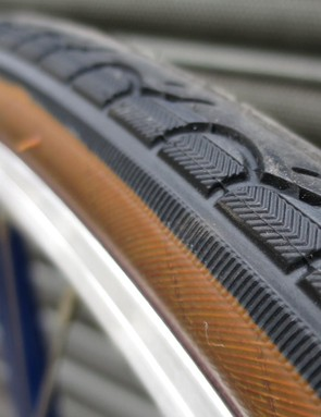 The brown tyre sidewall aids the classic look