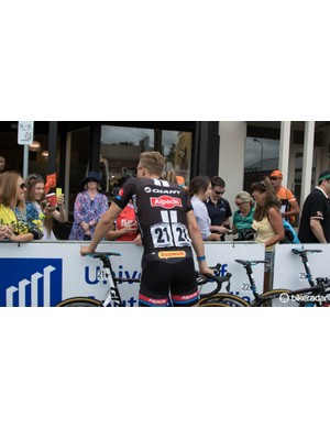 Marcel Kittel meets some fans before a stage start