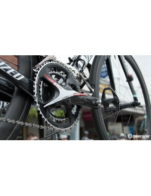 Often the spare bikes don't have power meters - as shown on this Ettix-Quickstep spare