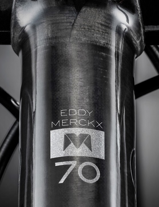EDDY70 logos adorn the cockpit, wheels and saddle