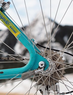 Yeti's trademark looped stays, here formed from steel tubing from famed builder Chris Herting