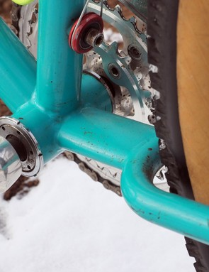 The chainstay loop actually carries all the way around the front of the wheel, joining to the bottom bracket shell with a short piece of flattened tubing