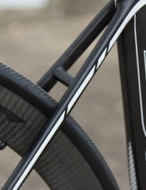 Despite the 2015 G6 Pro moving to a chainstay mounted rear brake the seatstay bridge remains