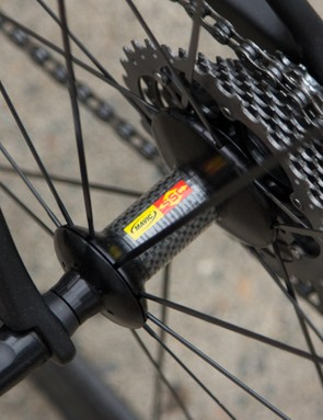 Even the hubshell is carbon on the the smooth rolling Cosmic Carbone clinchers
