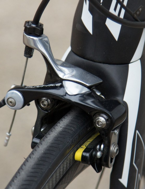 The Dura-Ace direct mount brakes are fantastic in both wet and dry conditions, greatly helped by the braking performance of the Mavic rims