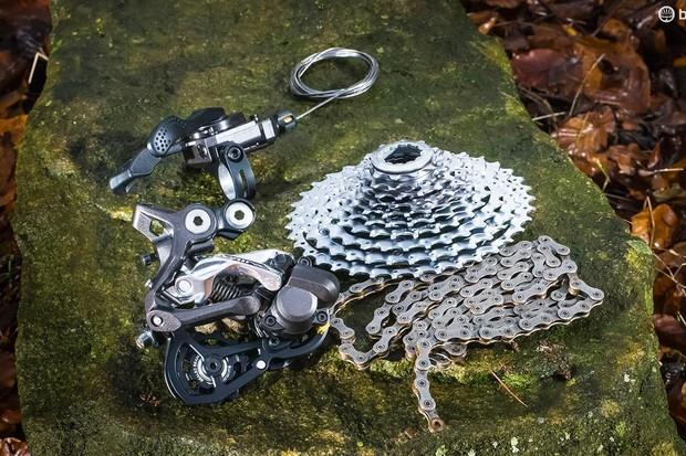 Shimano Saint M820 mountain bike transmission