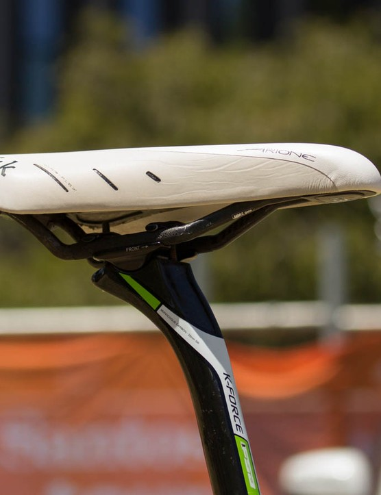 Hesjedal rides a triathlon version of the Fizik's Arione, which means extra padding at the nose