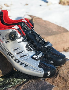 Scott continues to expand its shoe collection, here with the Road Team Boa model that features a carbon fibre sole, slick Boa-equipped uppers, and a semi-customisable footbed design