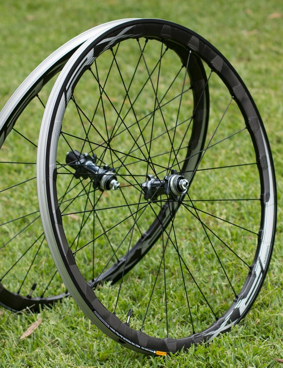 Shimano's new RX830 road disc brake wheelset