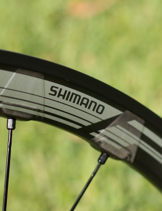 A close look at the RX830s' disc-only carbon laminate rim