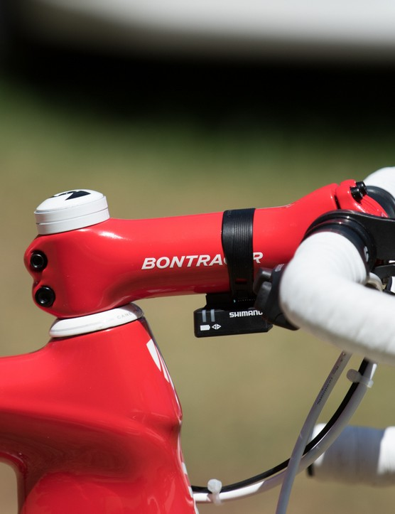 Team-issue Bontrager XXX stems perfectly match the frame