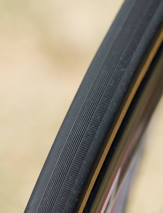 Veloflex provides the tubulars. These look like the Roubaix model to us