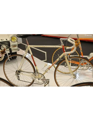 Note the red detailing on the seatpost, chainset and lugs on this machine from circa 1970
