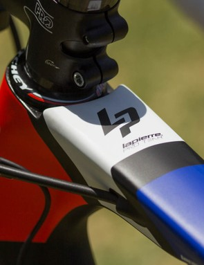To make this brake placement work, the brake cable is routed through the top tube instead of the usual down tube routing