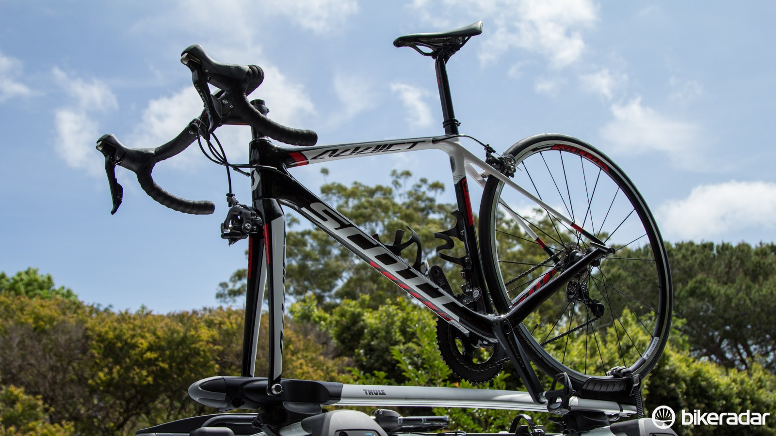 The Thule Sprint 528 bike carrier is arguably the ultimate open-dropout bike carrier