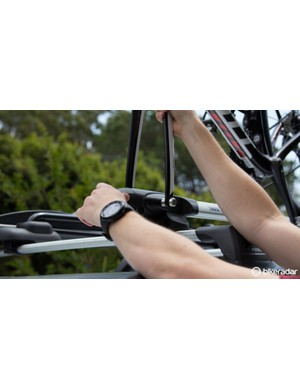 Simply tighten the AcuTight knob until it clicks – then you know your bike is held securely, but not so tight that the fork is getting crushed