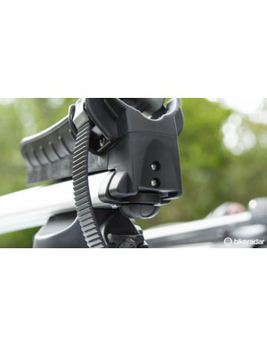 A telescoping wheel tray allows for easy fitting of various length wheelbase bikes. It easily tucks away at its shortest when not in use