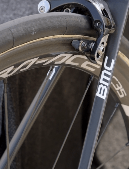 The wheels are Dura-Ace C35s, with Continental Competition Pro-Ltd tubulars