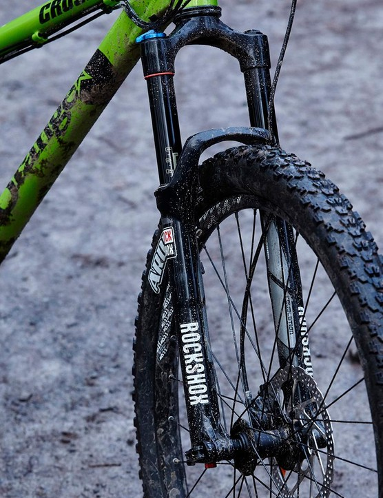 The Revelation serves up 140mm of plush, accurate travel – a lot for a hardtail, but it suits the Crush