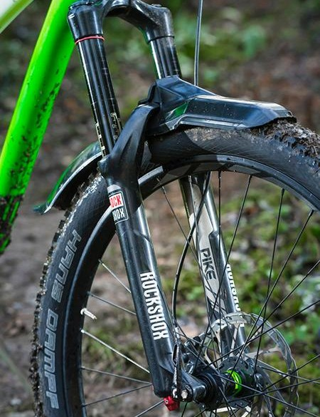 Shock absorption comes courtesy of a tried and trusted RockShox combo –a Pike RC up front…
