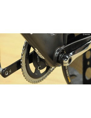 Dennis uses 175mm cranks, and has a normal Shimano Dura-Ace road chain