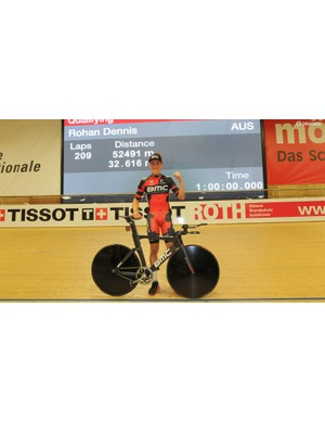Rohan Dennis shortly after his record-setting ride with his BMC TR01