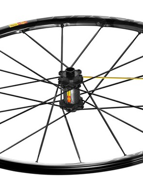 The spoke lacing is the same as on the CrossMax Enduro wheelset