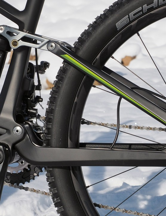 The rear end of the Ghost Riot 7 LC is a classic four-bar Horst-link setup