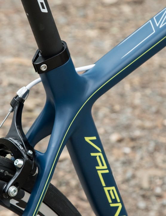 The aero seat tube turns to a skinny 27.2mm seatpost, something that further aids in ride comfort