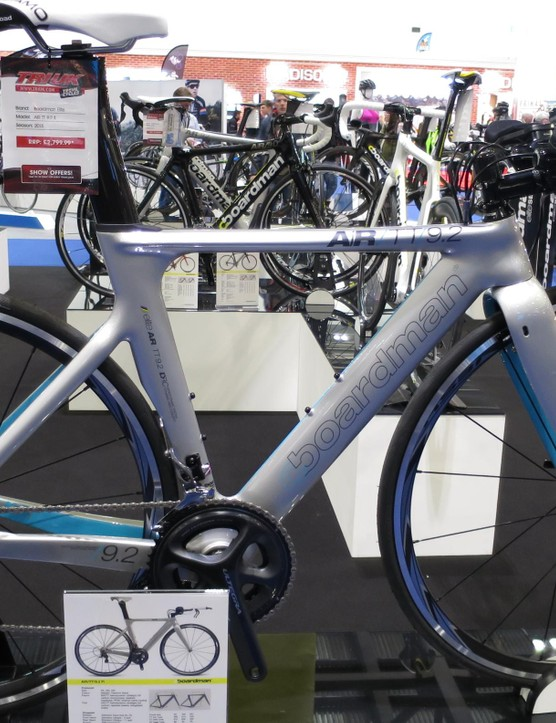 The AiR TT 9.2 is also beautifully restrained in terms of feminine cliches. In fact, we think Boardman might shift a few of these to men