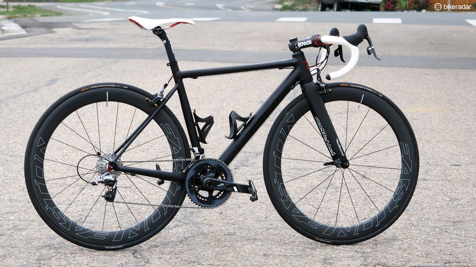 The Van Dessel Hellafaster might have a silly name but it's a good descriptor nonetheless for this metal rocket
