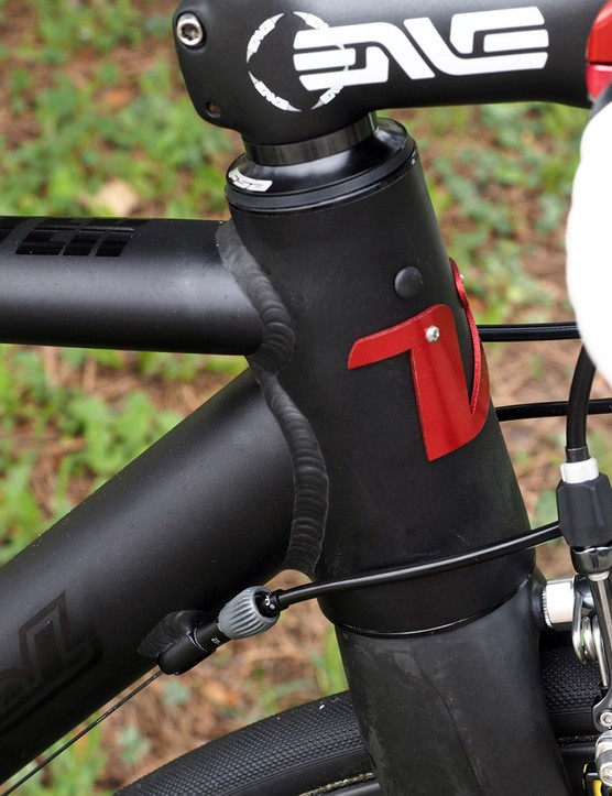Van Dessel accounts for both mechanical and electronic drivetrains on the Hellafaster but the execution could be a little neater. The wire entry and exit points are tidy enough but there's no easy way to remove the unused housing stops