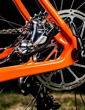 The Stigmata gets specially modified Rockshox Maxles – using the 15mm front and 12x142mm rear wheel standards