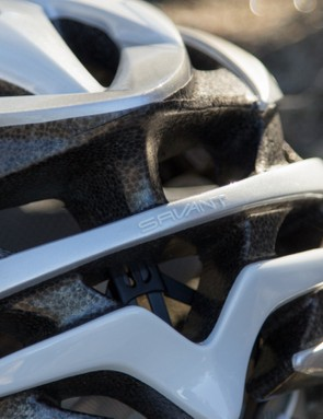 The Savant carries Giro's unique styling looking reminiscent of their flagship helmets