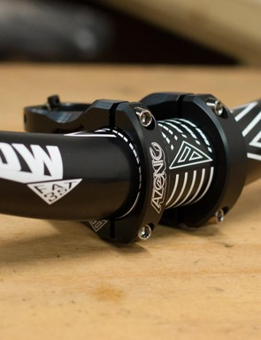 Azonic Flow handlebar and The Rock FAT35 stem
