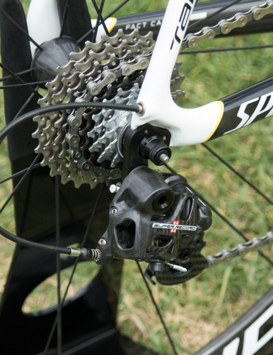 The Campagnolo Super Record rear derailleur shifts along a 12-29T block