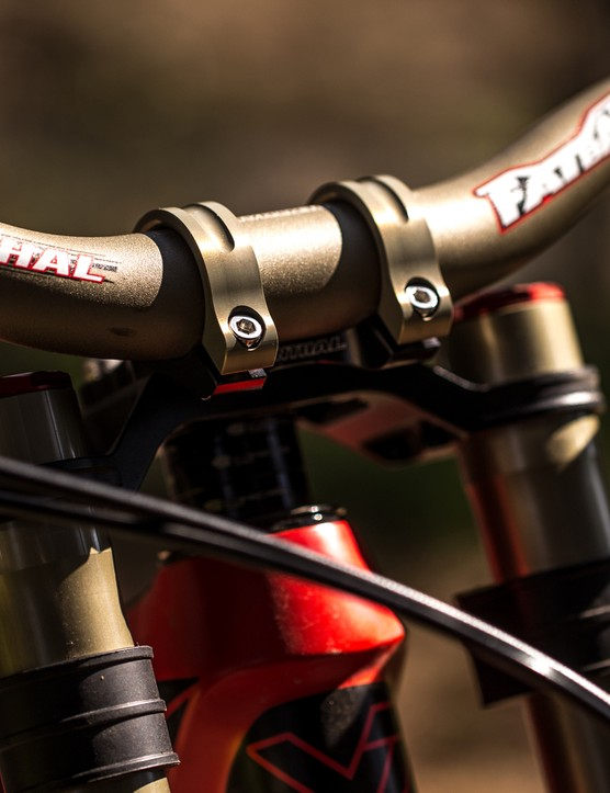 The new Renthal Intergra II has only been seen on team riders' bikes so far, but will be coming as standard on the YT Tues Pro, matching the 30mm rise and 780mm wide Renthal FatBar