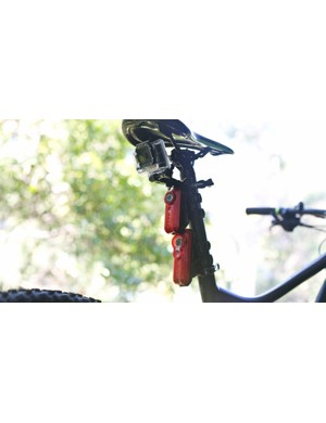 Mounting all three cameras to one bike required a lot of seatpost. For our video comparison we used a Merida One-Twenty 7.500 mountain bike