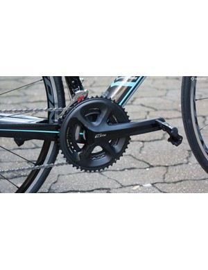 Shimano's trustworthy 5800 11-speed 105 parts feature throughout the transmission