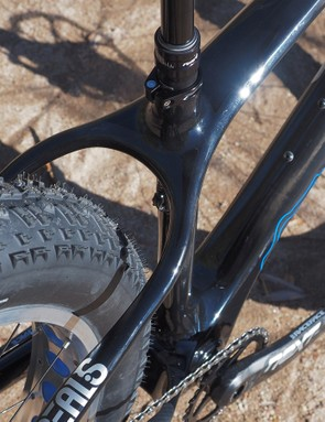 There's ample clearance for 4.8in-wide tires through the seatstays, even when mounted on 100mm-wide rims. Complete bikes come stock with 4in-wide tires on 80mm rims and there's still enough room on the sides to slide your hand through