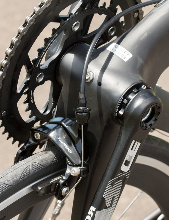 The Direct Mount brake caliper sits beneath the chainstays and behind the bottom bracket. Sadly, the basic Tektro unit given wouldn't center evenly on the rim that caused unbelievably bad braking performance