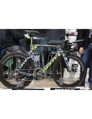 Sebastian Kienle's Scott Plasma 5 tri bike, these colours should've made it to production!