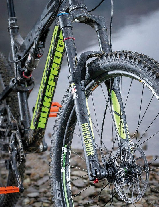 Trail feel is impressively direct despite the svelte 32mm stanchions on the 150mm-travel Revelation fork