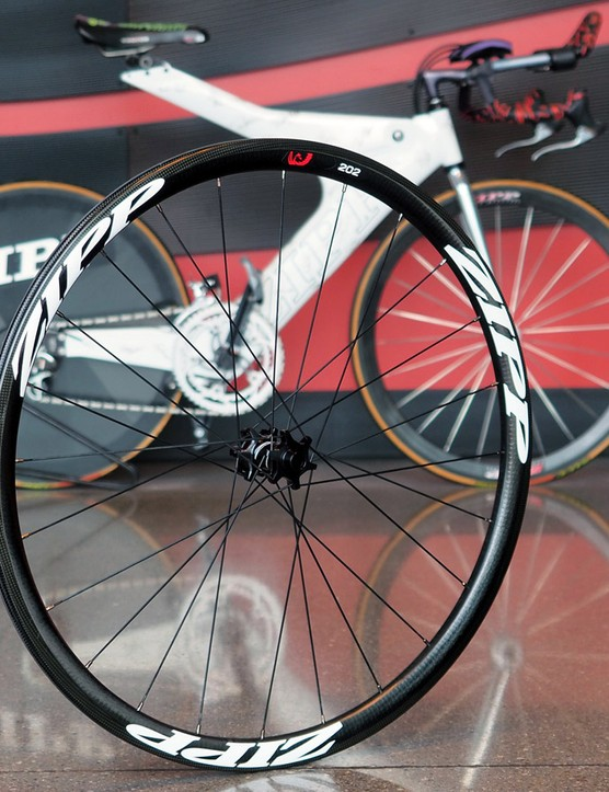 Claimed weight on the shallower Zipp 202 Firecrest Disc wheelset is just 1,530g